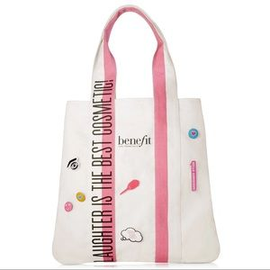 NWT Benefit Tote bag with buttons/pins set